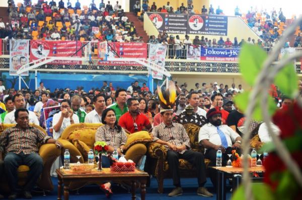 Jokowi Merayakan Natal Bersama di Papua