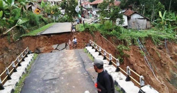 Banjir Bandang Lebak: Jalan, Jembatan Rusak dan Listrik Terputus, Butuh Bantuan dan Logistik ke Daerah Terisolir